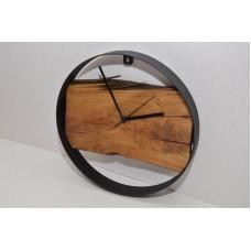 Часы вяз  покрыты маслом Osmo 17 Олег Пекар