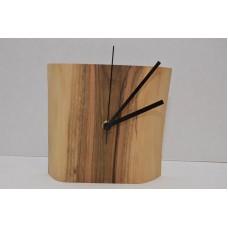 Часы из ореха покрыты маслом Osmo 22 Олег Пекар
