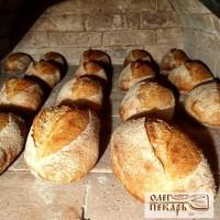 Пшеничный подовый хлеб на закваске.